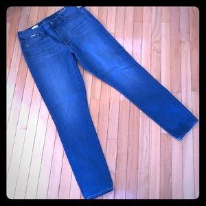 Gap size 33 long high rise skinny jeans light NWT